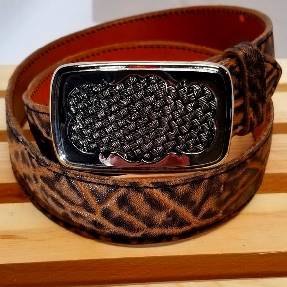 NWOT,western buckle, silver, basket weave